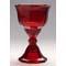 Czerwony kieliszek pochodzący z Art Déco