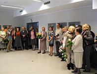 """Zdjęcie: Otwarcie wystawy """"W obiektywie seniora"""", 25.04.2012 r. Galeria na Górze"""